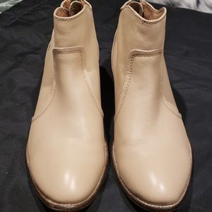 Seychelles leather zip back boot